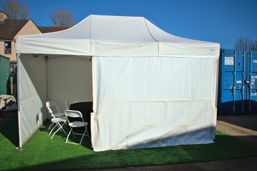 Gazebo/popup marquee 4.5m x 3m closed front